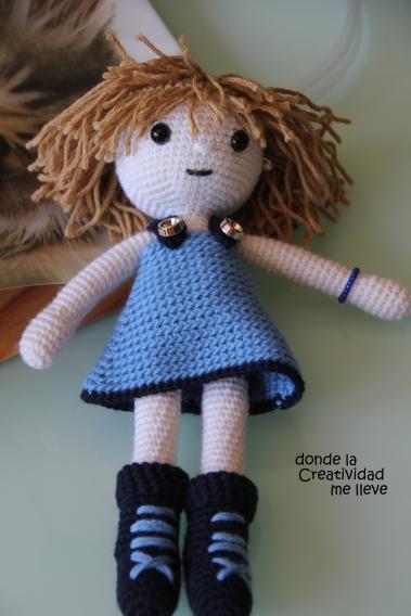 Monica Doll, muñeca tejida en ganchillo